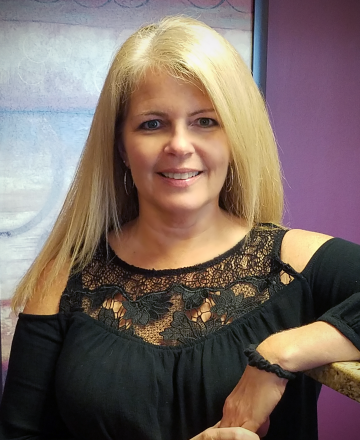 Lisa DeBonis